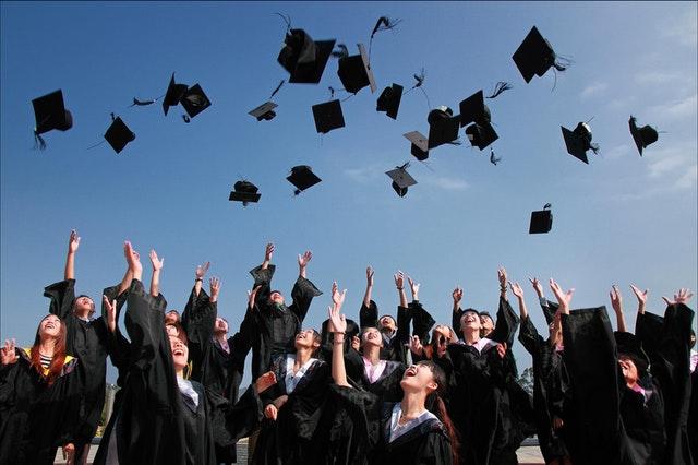 post-graduation-students-ceremony